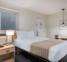 莱克兰北 I-4 郊区长住公寓酒店