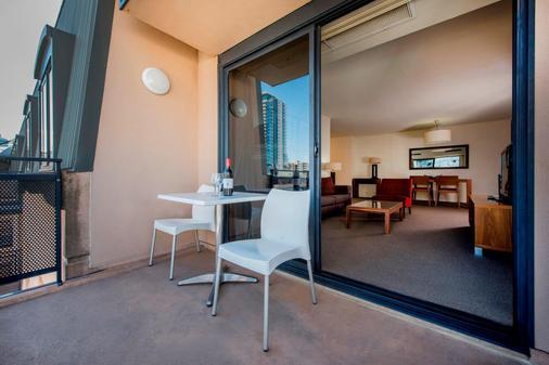 黑伊街曼特拉酒店 - 珀斯 - 阳台
