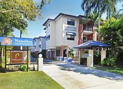 鹦鹉螺假日公寓酒店 - 道格拉斯港 - 建筑