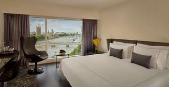 伦敦河岸公园广场酒店 - 伦敦 - 睡房