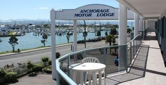 安克雷奇汽车旅馆 - 纳皮尔 - 游泳池
