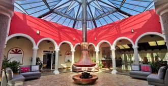 梅赛德斯圣克里斯托瓦尔别墅酒店 - 圣克里斯托瓦尔-德拉斯卡萨斯 - 大厅