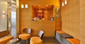 贝斯特韦斯特梅捷酒店 - 米兰 - 柜台