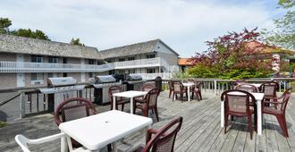 麦基诺城美洲最佳价值酒店 - 麦基诺城 - 建筑