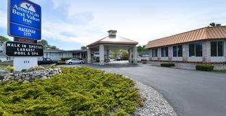 麦基诺城美洲最佳价值旅馆 - 麦基诺城 - 建筑