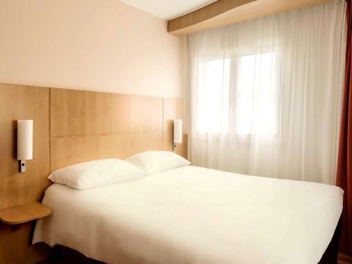 里尔中心大广场宜必思酒店 - 里尔 - 睡房