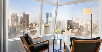 东乡村设计酒店 - 纽约 - 阳台