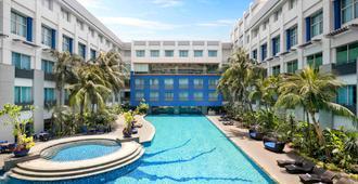 雅加达诺富特曼加达广场酒店 - 北雅加达 - 游泳池