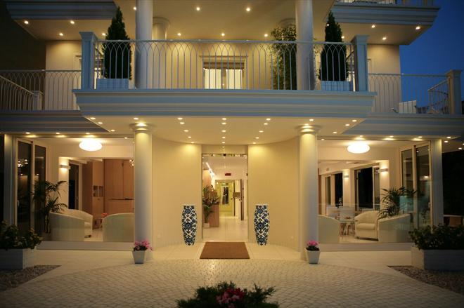 贾拉酒店 - 里乔内 - 建筑