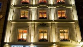 乌金虎酒店 - 布拉格 - 建筑