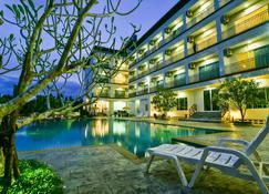 南门住宅酒店 - 春蓬 - 游泳池