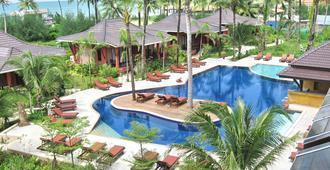 苏达拉海滩度假酒店 - 攀牙湾 - 游泳池