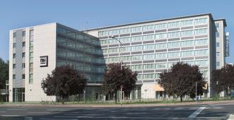 弗兰克福特涅得拉德nh酒店 - 法兰克福 - 建筑