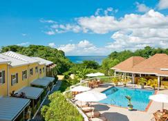 新郎海滩别墅度假酒店 - St. George's - 游泳池