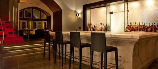 孟买泰姬陵塔酒店 - 孟买 - 酒吧