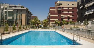 格兰纳达享受奢华酒店 - 附游泳池及停车场 - 格拉纳达 - 游泳池