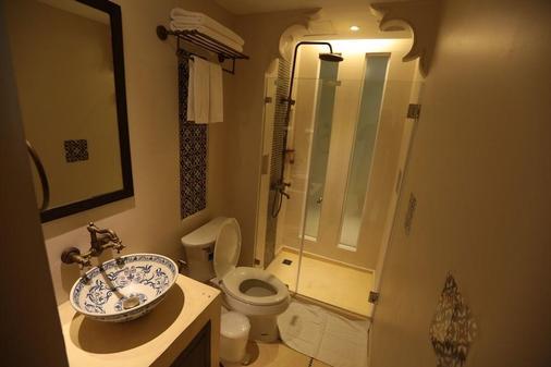 德望曼谷酒店 - 曼谷 - 浴室