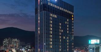 海云台华美达安可酒店 - 釜山 - 建筑