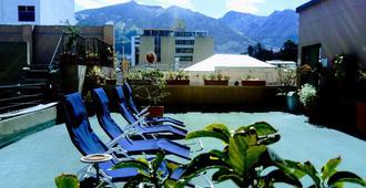 杰霍马那旅馆 - 基多 - 露天屋顶