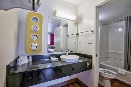 塔拉哈西西6号汽车旅馆 - 塔拉哈西 - 浴室