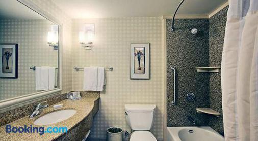 帕姆代尔希尔顿花园酒店 - 帕姆代尔 - 浴室