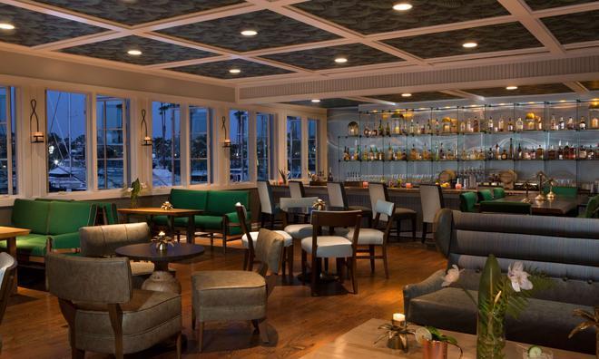 菲诺港滨海酒店-贵族之家 - 雷东多海滩 - 酒吧