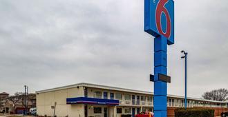伊利诺伊州乔利埃特六号酒店 - 乔利埃特 - 建筑