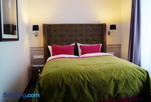 库伦斯伯恩最大海滩酒店 - 屈赫隆斯博尔恩 - 睡房