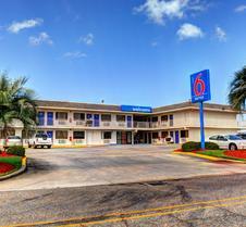 新奥尔良6号汽车旅馆 - 斯莱德尔