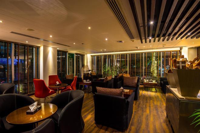 贝斯特韦斯特Plus枫叶酒店 - 达卡 - 休息厅