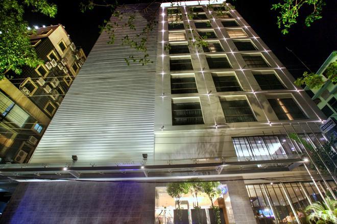 贝斯特韦斯特Plus枫叶酒店 - 达卡 - 建筑