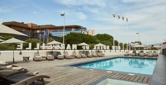 新马赛帕罗酒店 - 马赛 - 游泳池
