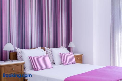 圣特里尼酒店 - 卡马利 - 睡房