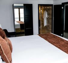 纳波利塔诺酒店