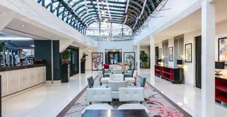 埃文河畔斯特拉特福皇冠假日酒店 - 斯特拉特福 - 大厅