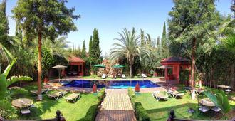 达尔欧拉纳宫住宿加早餐旅馆 - 马拉喀什 - 游泳池