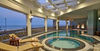 艾尔瑞安瑞塔杰酒店 - 多哈 - 游泳池