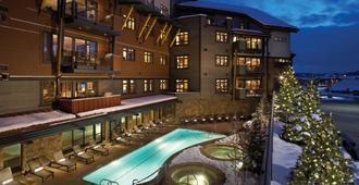 一艘蒸汽船广场移山酒店 - 斯廷博特斯普林斯 - 游泳池