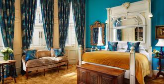伦敦戈尔酒店 - 伦敦 - 睡房