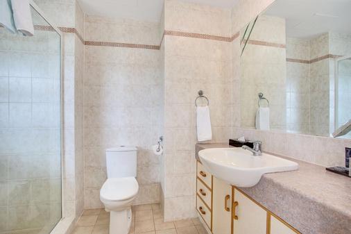 曼特拉太阳城酒店 - 冲浪者天堂 - 浴室