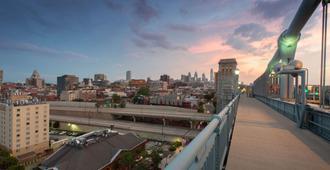 费城历史区温德姆酒店 - 费城 - 阳台