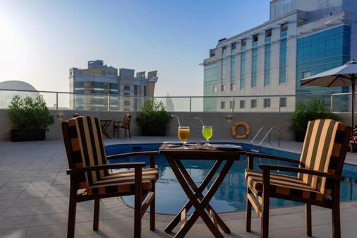 城市之旅尊贵公寓式酒店 - 迪拜 - 阳台