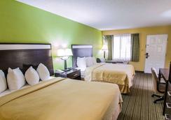 大学品质酒店 - 盖恩斯维尔 - 睡房
