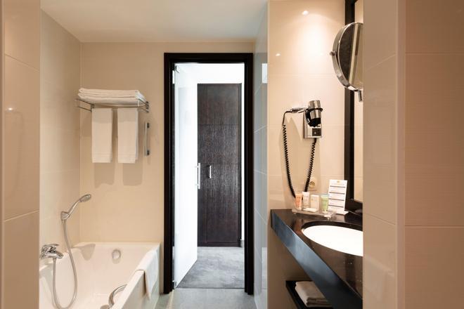 布鲁日卡塞尔贝格大酒店 - 布鲁日 - 浴室