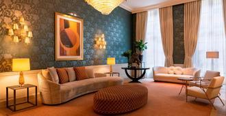 布鲁日卡塞尔贝格大酒店 - 布鲁日 - 客厅