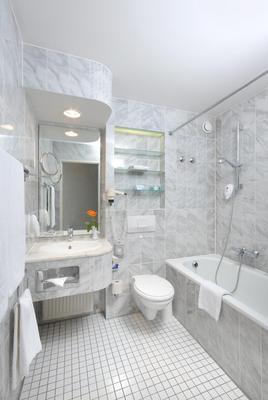 施瓦滕雷莱克萨沃德酒店 - 斯图加特 - 浴室