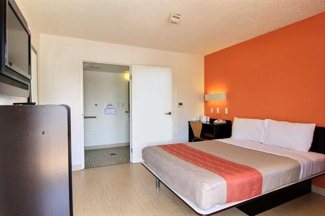 6 号汽车旅馆奥斯汀中央 - 北 - 奥斯汀 - 睡房