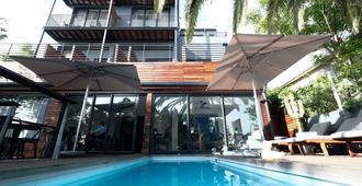 树屋精品酒店 - 开普敦 - 游泳池