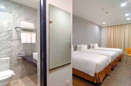 卡拉干酒店 - 亚庇 - 睡房