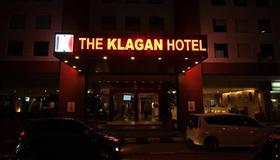 卡拉干酒店 - 亚庇 - 建筑
